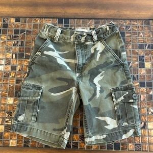 Old Navy boys camo cargo shorts